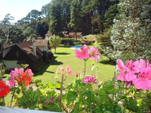 Resultado de imagem para vista dos jardins pela janela