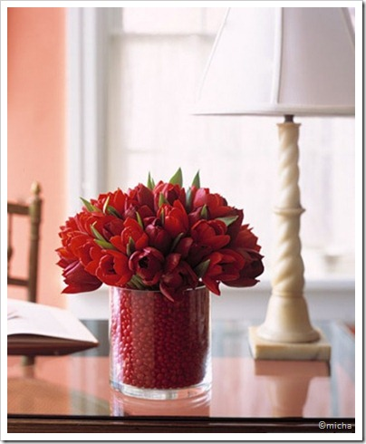 cool-inspiration-centerpieces-to-diy-valentines-day-dinner-13