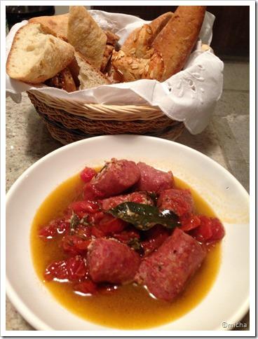 Assado de linguiça e tomate cereja 016